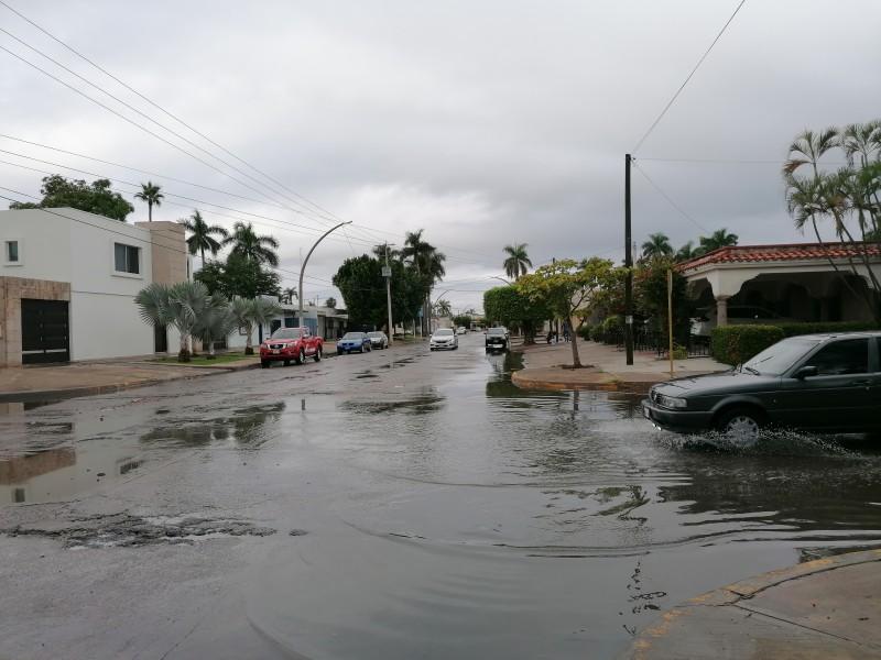 Lluvia ligera sorprende a la ciudad de Los Mochis