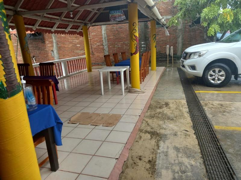 Lluvias afectan a restauranteros en Tuxpan