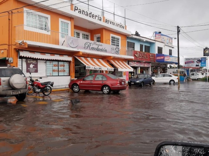 Lluvias cubren calles y casas en el municipio de Atlixco