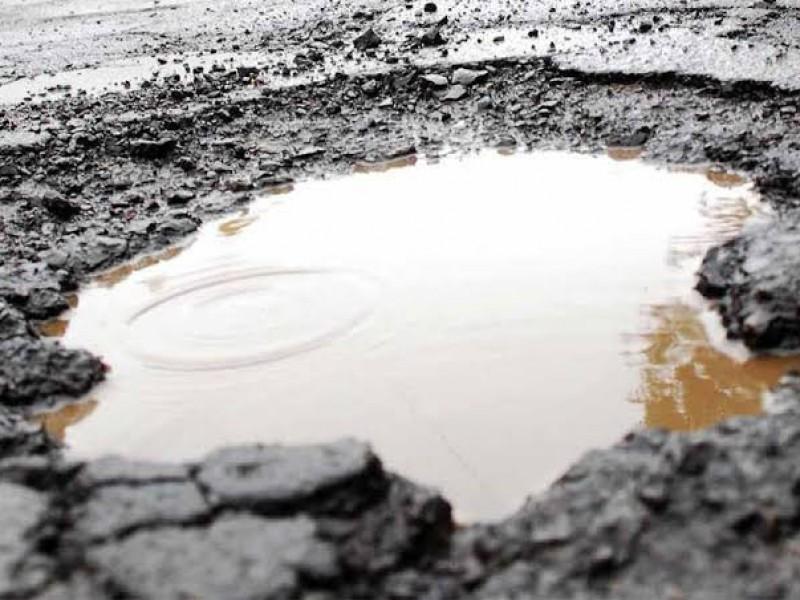 Lluvias dañan carpeta asfáltica de Torreón
