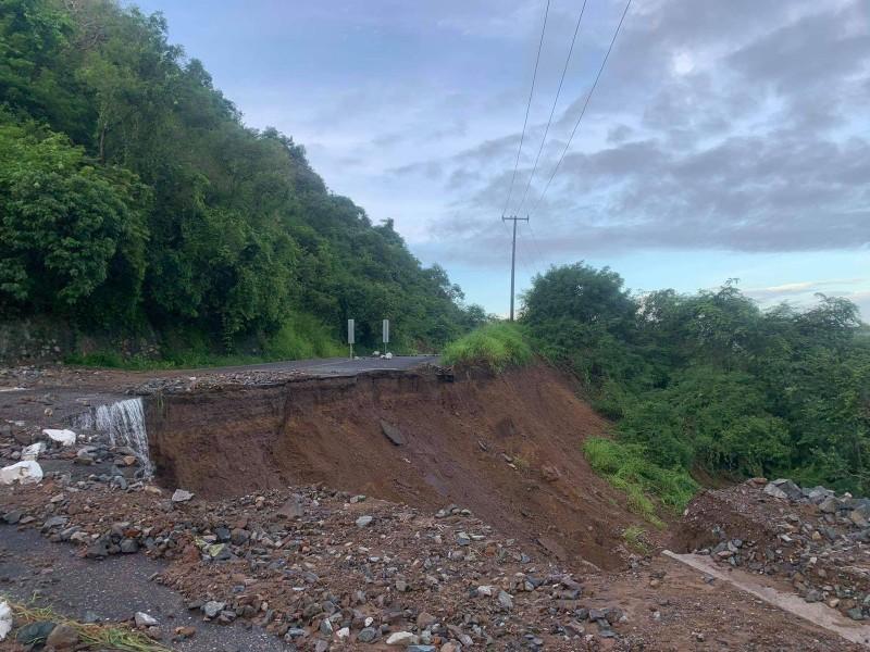 Lluvias dañan tramo carretero en La Unión