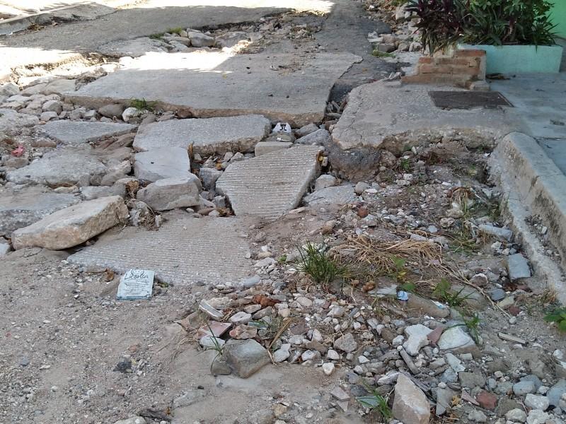 Lluvias dejan calles intransitables en la colonia Potinaspak