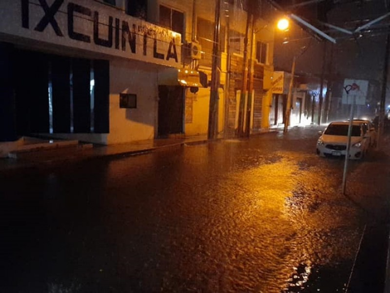 Lluvias dejan inundaciones en Santiago Ixcuintla