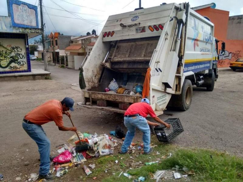 Lluvias empeoran recolección de basura; servicio se atrasa 3 horas