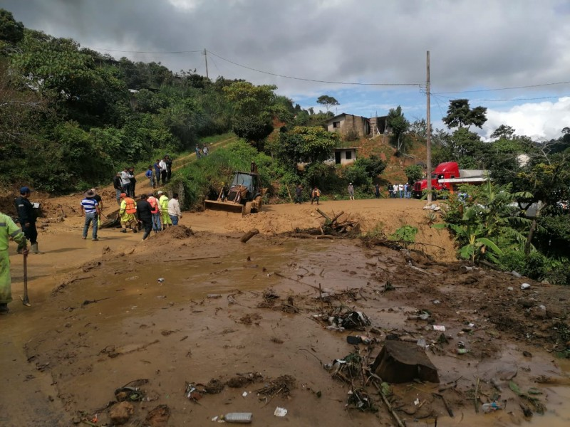 Lluvias genera afectaciones en tramos carreteros de Chiapas