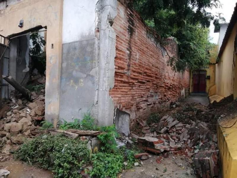 Lluvias generan colapsos en viviendas antiguas de Tehuantepec