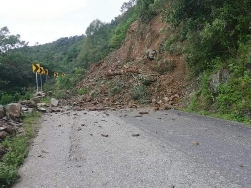 Lluvias generan derrumbes en la Cañada