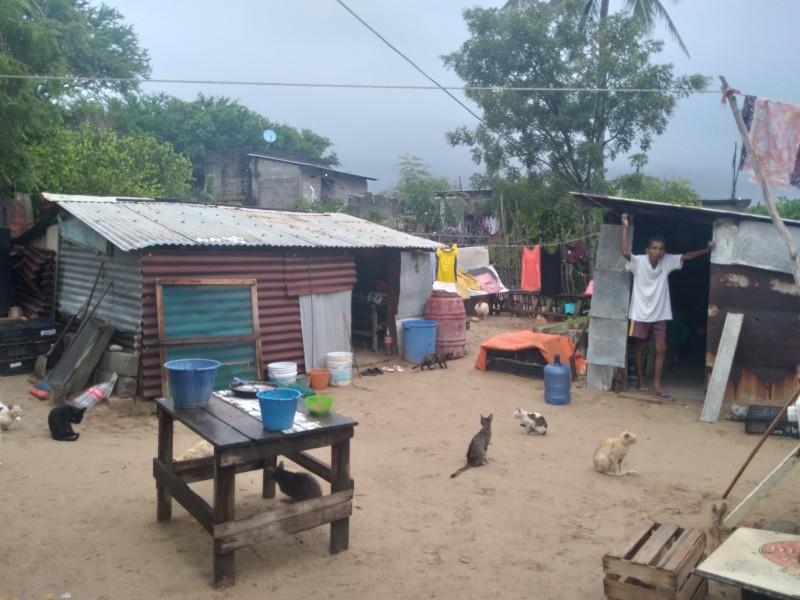 Lluvias generan estragos en familias que viven en condiciones precarias