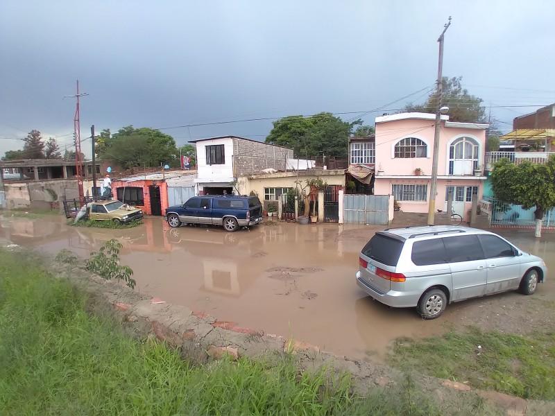 Lluvias generan inundaciones en las comunidades