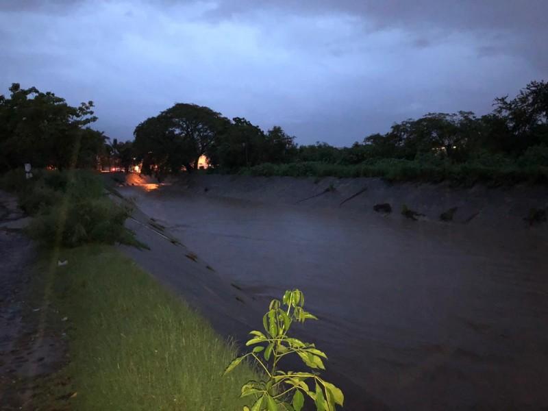 Lluvias generan inundaciones y encharcamientos en Manzanillo