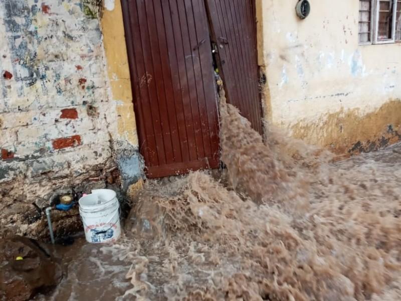 Lluvias provocan afectaciones a decenas de viviendas en Santiago Tangamandapio