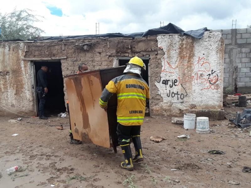 Lluvias provocan derrumbe de viviendas en comunidades de Lerdo