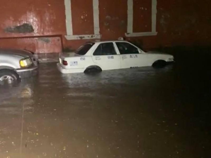 Lluvias provocaron inundaciones en Ahuacatlán