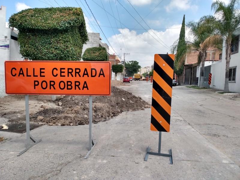 Lluvias retrasan hasta 8 días obra pública en León: CMIC