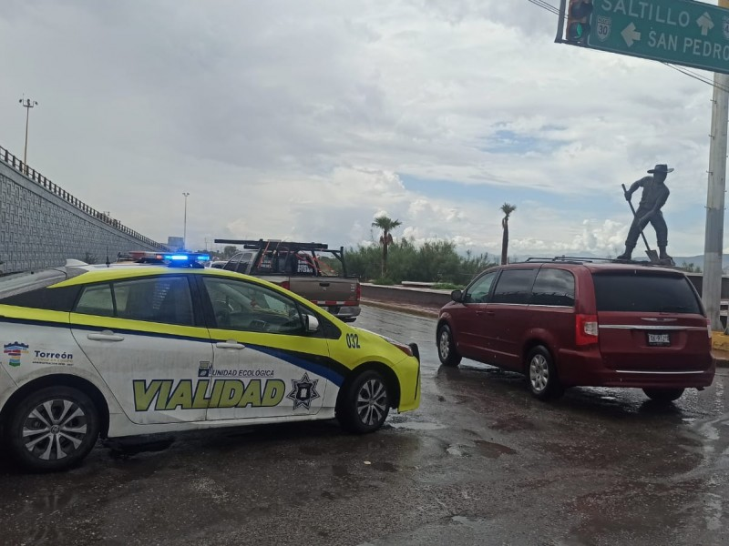Lluvias vuelven a dejar encharcamientos en Torreón