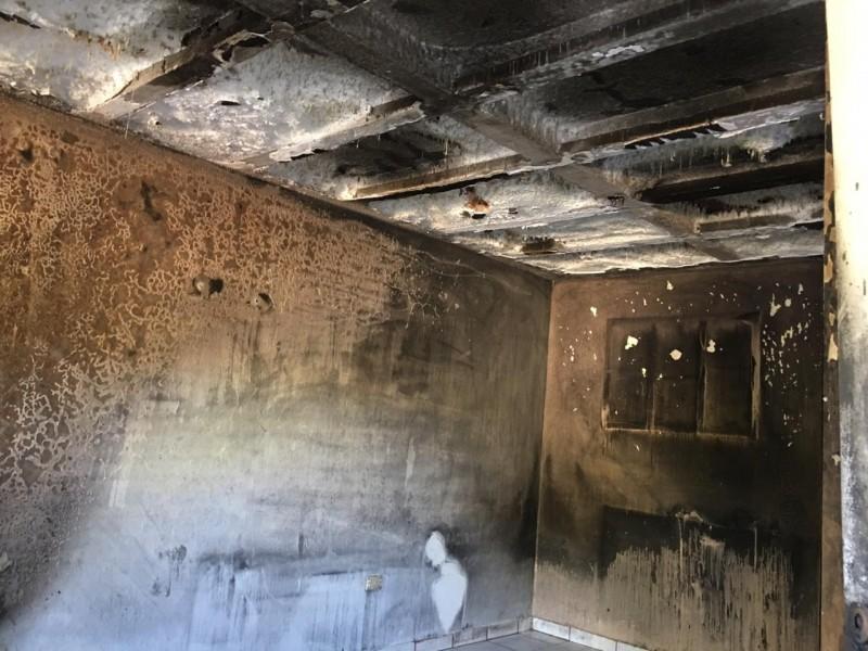 ¡Lo perdieron todo!Incendio consumió vivienda en Villas de Cortés