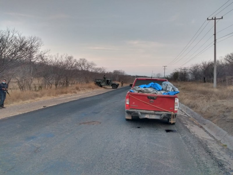 Localizan 12 cuerpos a bordo de una camioneta en Huetamo