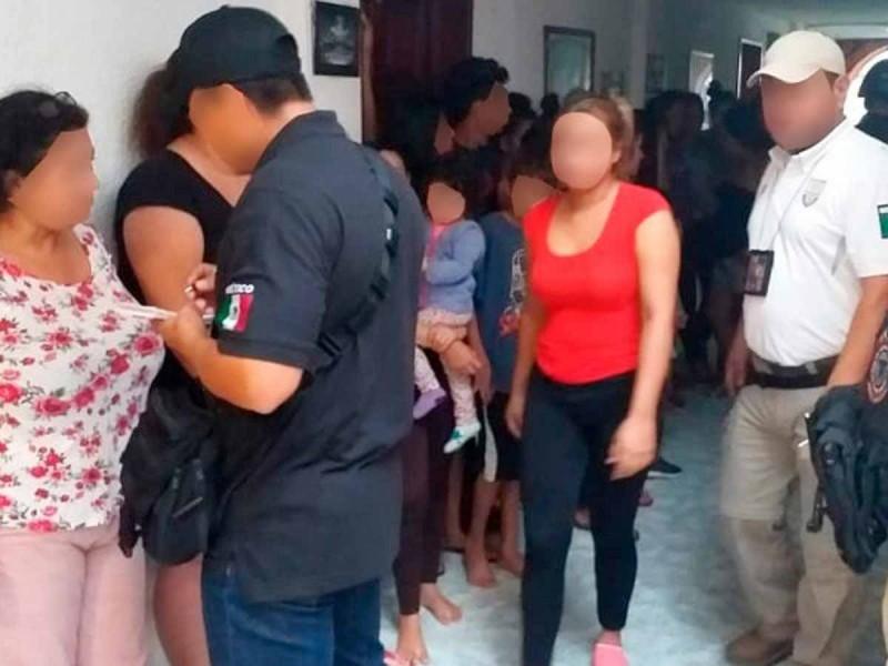 Localizan a 61 migrantes en hotel de Cancún