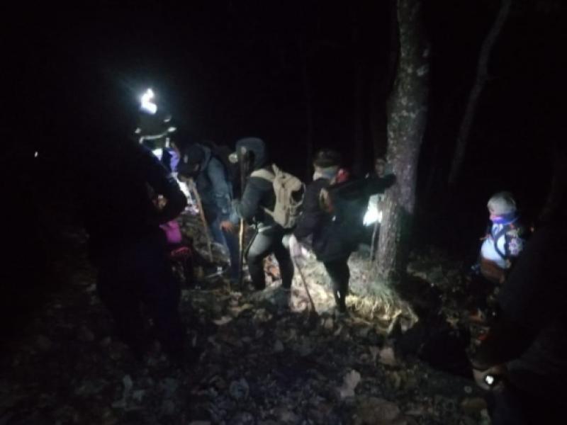 Localizan a senderistas perdidos en San Pedro Lagunillas