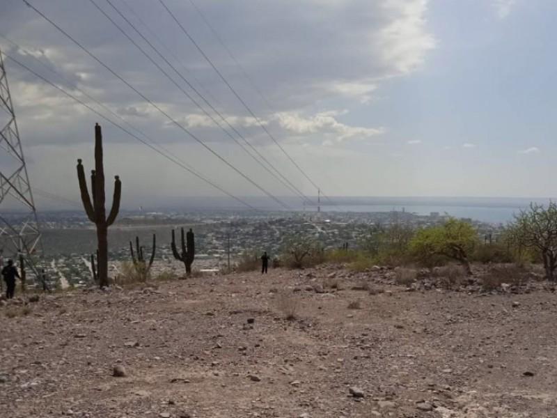 Localizan persona sin vida sobre una antena en La Paz