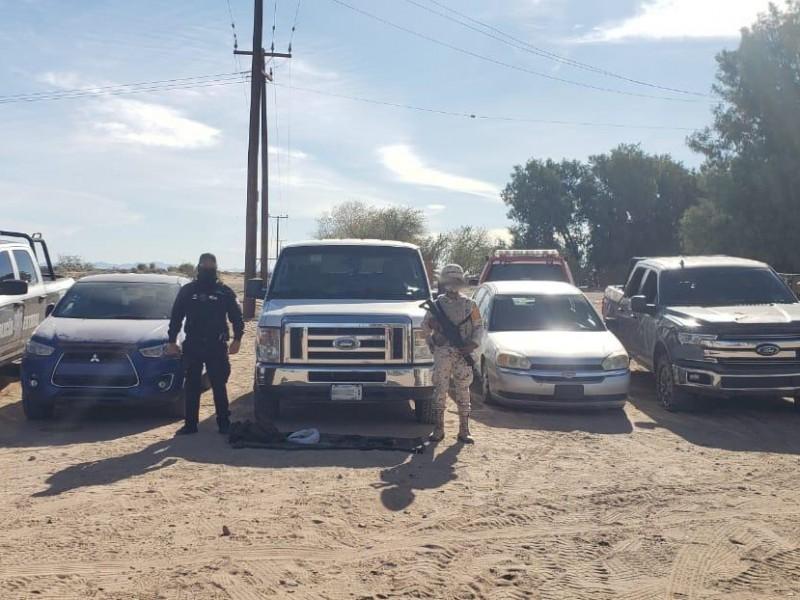 Localizan PESP y SEDENA arsenal en seis vehículos robados