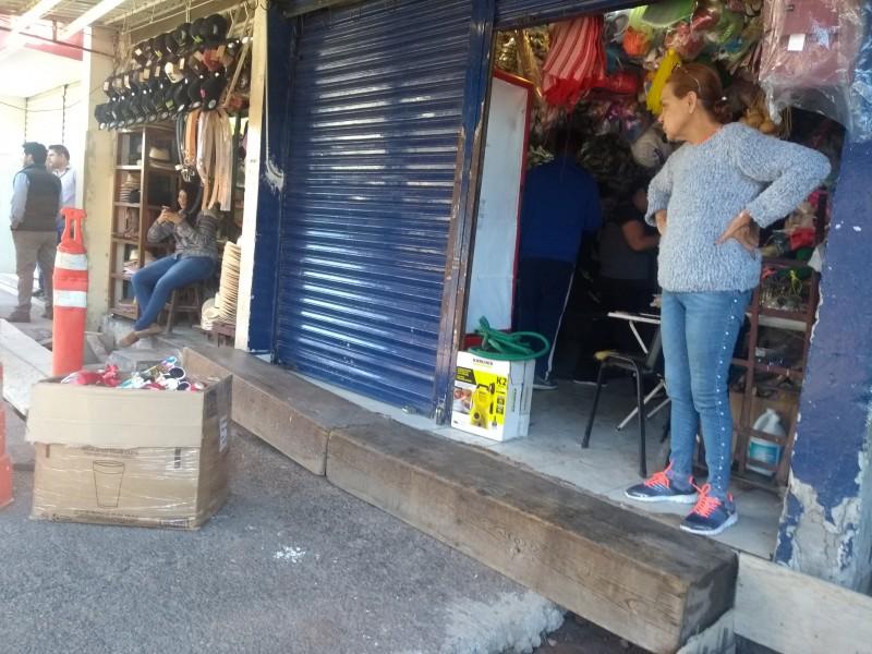 Locatarios del mercado popular estallan contra autoridades