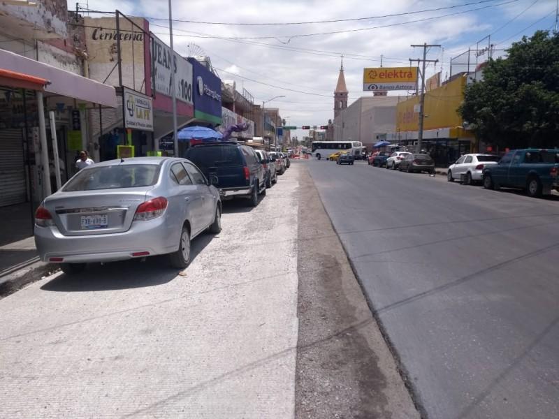 Locatarios se quejan de obras del Metrobús