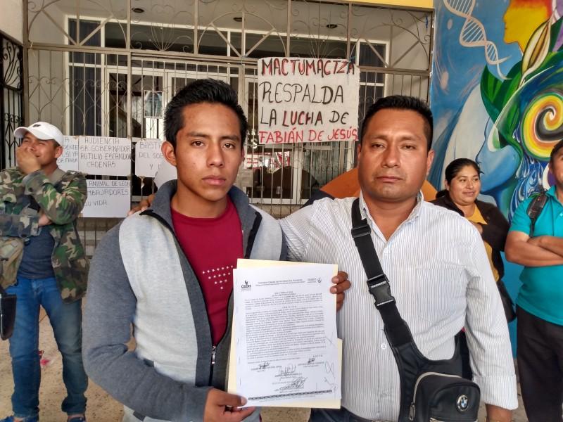 Logra indígena ingreso a Unich, levanta huelga