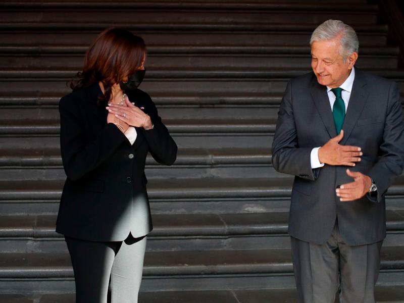 López Obrador tendrá llamada con Kamala Harris