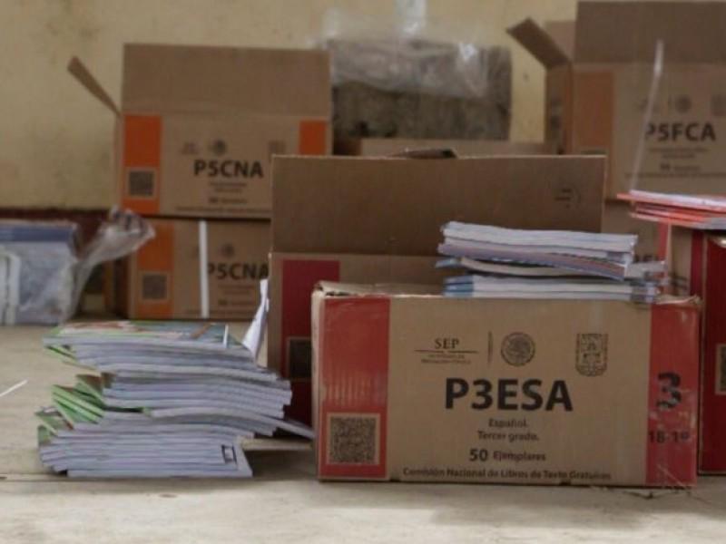 Los libros serán distribuidos primeramente en zonas marginadas, Gema Mercado