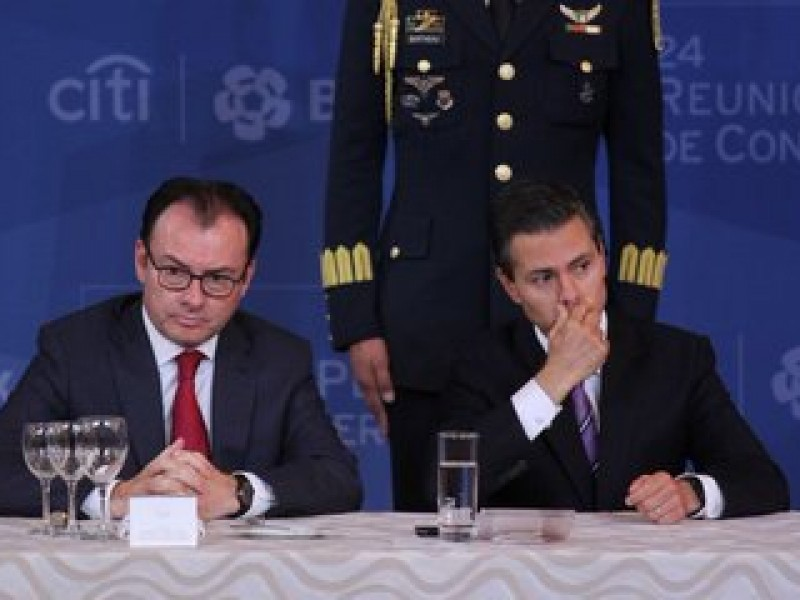 Lozoya denuncia ante la Fiscalía a Peña Nieto y Videgaray