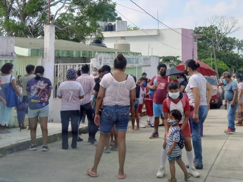 Luchan contra el Covid en escuelas de Tuxpan