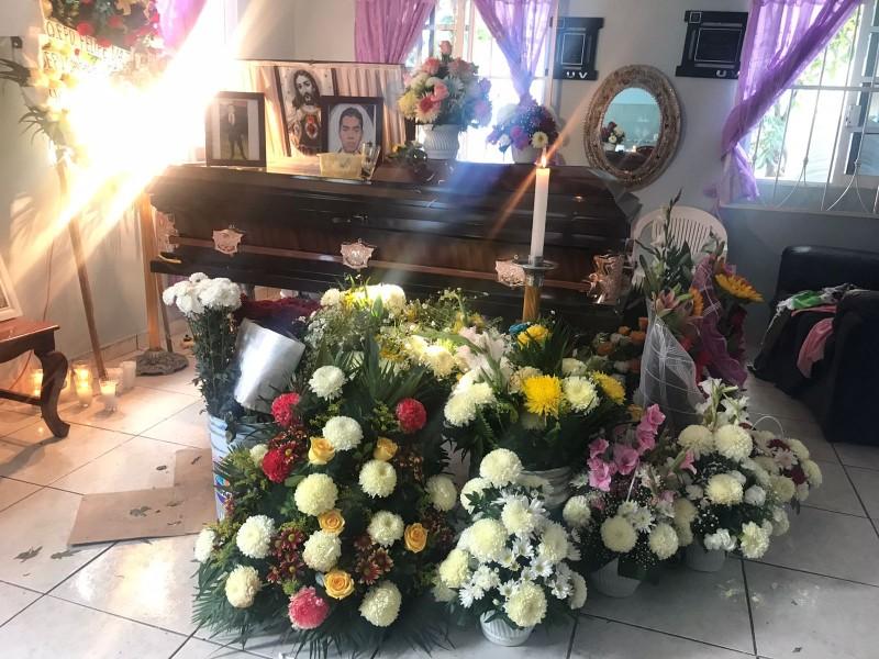 Luis Felipe tenía 26 años y fue encontrado con cuchilladas