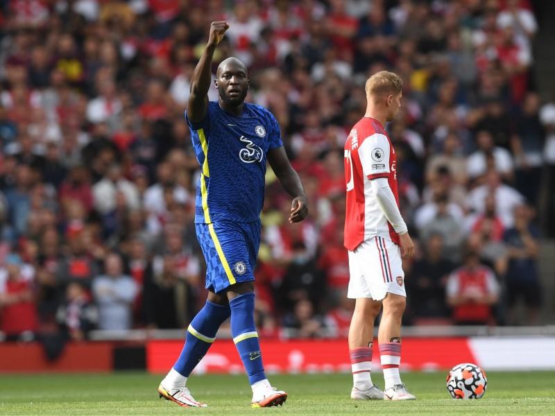 Lukaku anotó en victoria del Chelsea sobre Arsenal