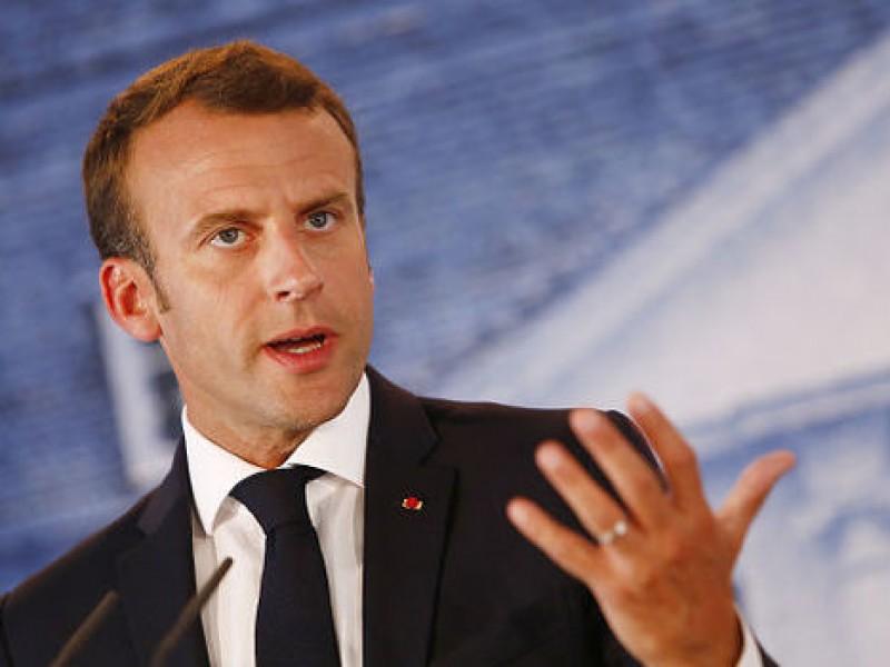 Macron propone crear centros de desembarco de inmigrantes
