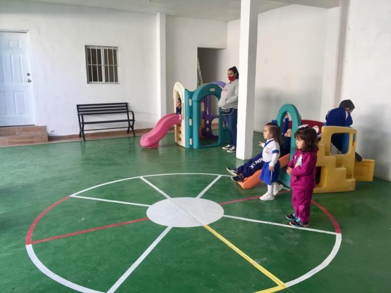 Madres enfrentan viacrucis ante eliminación de becas a guarderías
