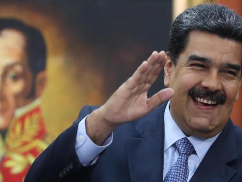 Maduro llama ante seguidores a elecciones legislativas
