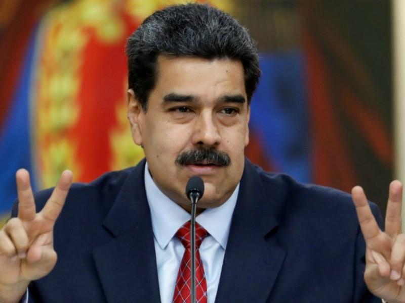 Maduro pide a México mediar diálogo con oposición