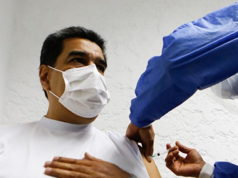 Maduro recibe la primera dosis de vacuna Sputnik V