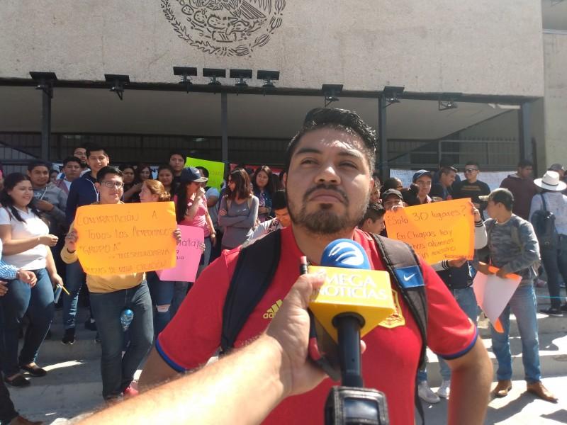 Maestros acreditados en Chiapas demandan plazas
