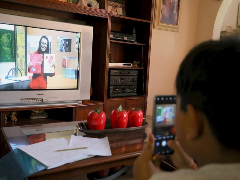 Maestros buscarán a estudiantes sin acceso a televisión y radio