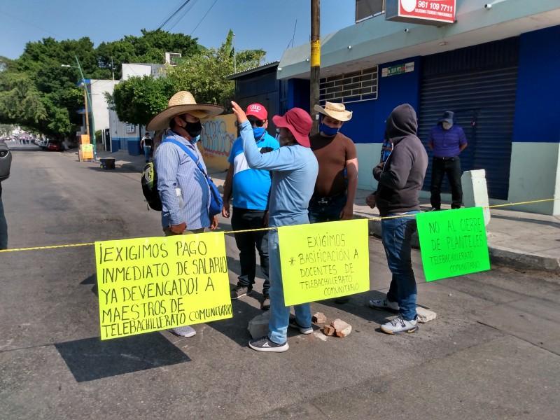 Maestros de Telebachillerato Comunitario bloquearon carreteras en Chiapas