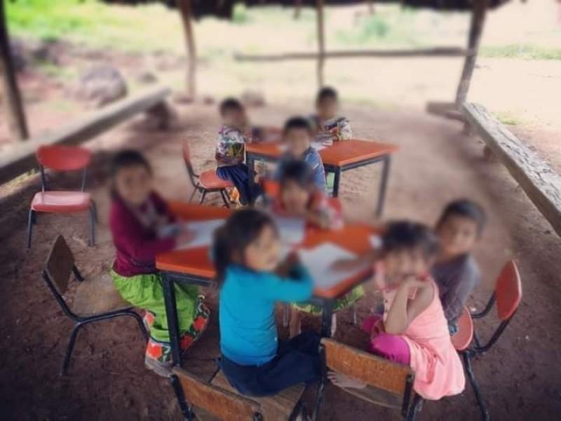 Maestros en Del Nayar esperan el regreso a clases presenciales