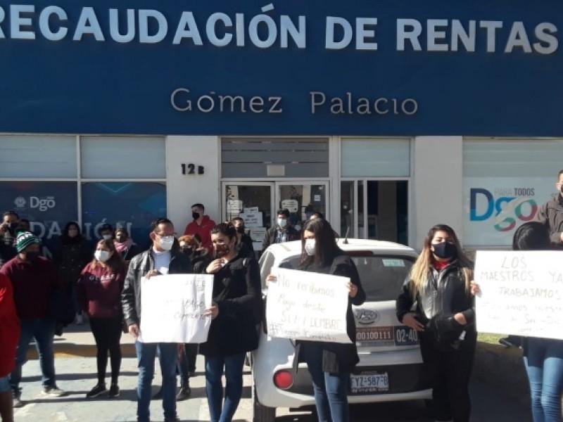 Maestros protestan para exigir pago de Tiempo Completo