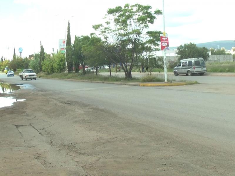 Mala construcción es causante de encharcamiento en Villas de Guadalupe