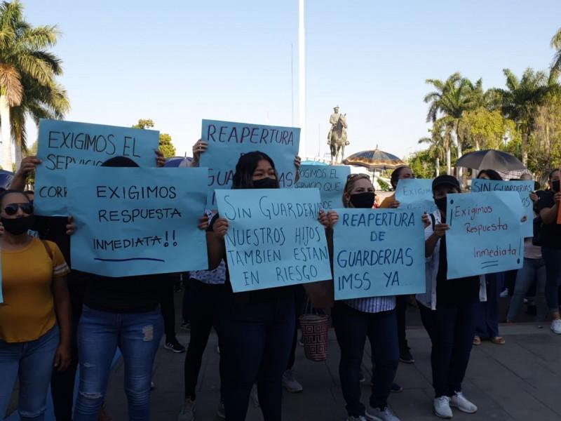 Mamás exigen reapertura de guarderías en Sonora