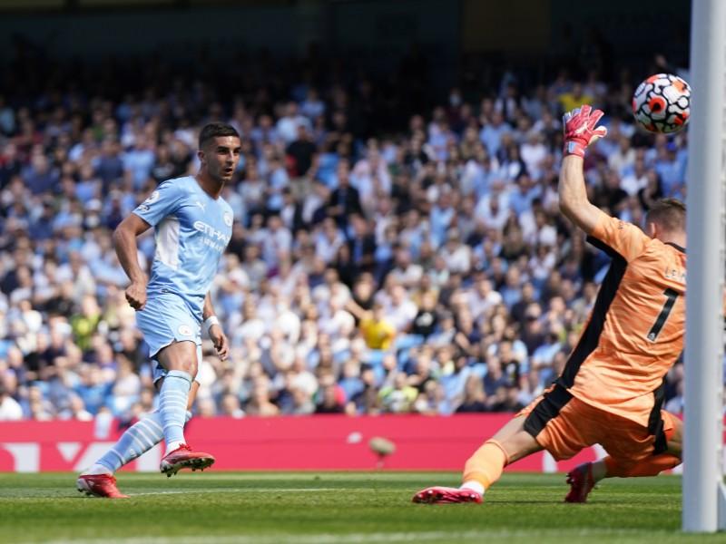 Manchester City amplió la crisis del Arsenal con goleada