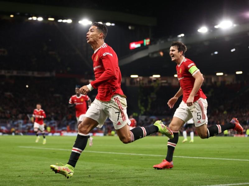 Manchester United recurrió a la épica para remontar en Champions