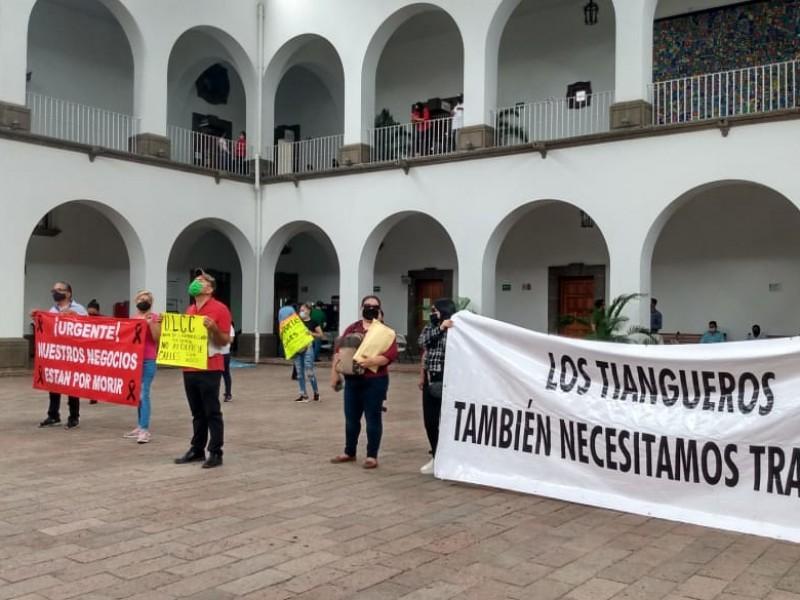 Manifestaciones contra el alcalde terminan en confrontación