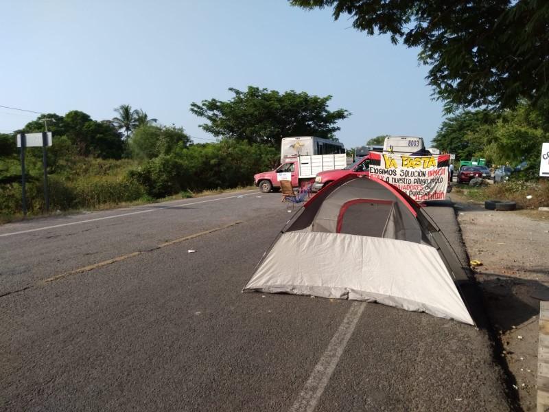Manifestantes amagan con suspender el suministro de agua en Juchitán